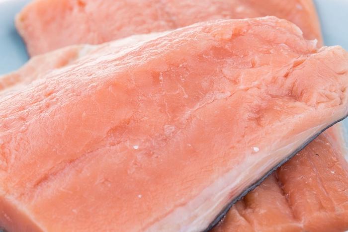 捕捞自阿拉斯加的野生三文鱼